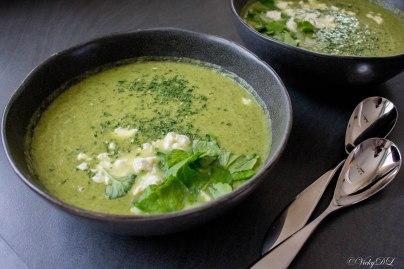 Broccolisoep met prei, waterkers en feta