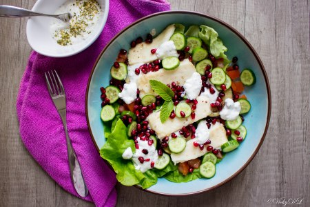 Salade van halloumi, granaatappel en tzatziki