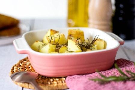 Aardappelen uit de oven met rozemarijn en grof zout