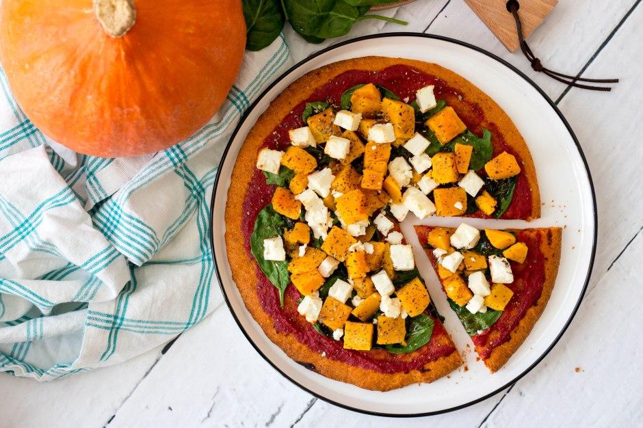 Pizza met pompoen, spinazie en feta